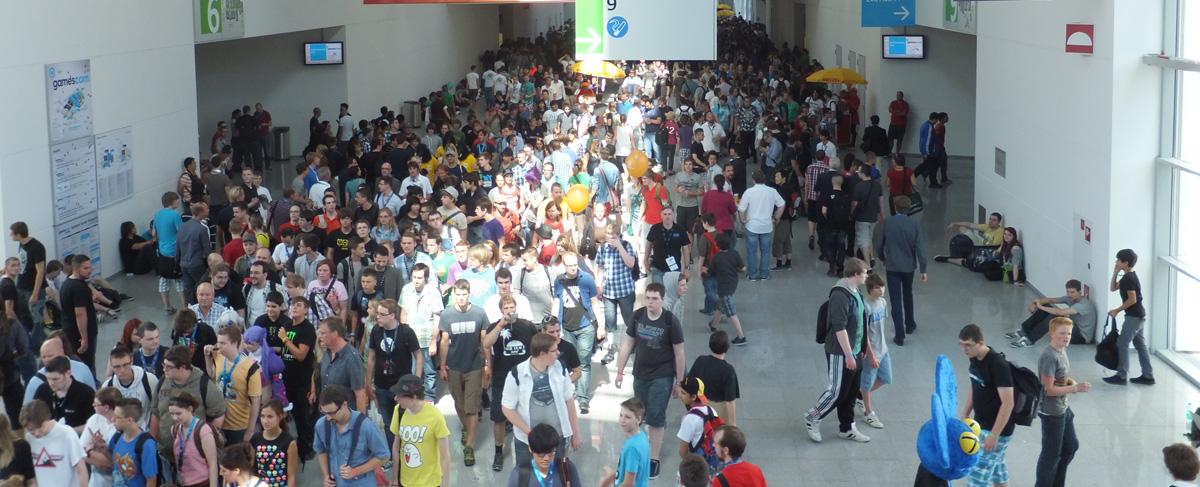 Le couloir qui relie les halls de la Gamescom est presque vide par rapport aux halls eux-mêmes !